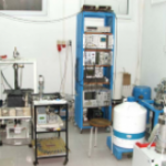 Cryostat with superconducting magnet (Cryogenics)